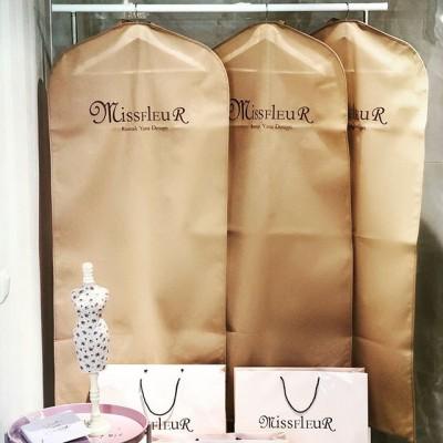 Ваш гардероб в наших руках! Кофры и плечики для гардеробных с Вашим именем или логотипом!  #чехлыдлягардероба #плечикидляодежды #чехлыдляодежды